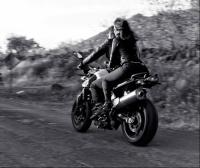 moto negra